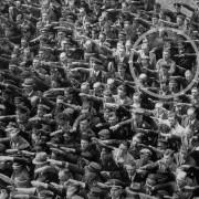 Η ιστορία του άνδρα που αρνήθηκε να χαιρετίσει ναζιστικά.