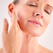 Γιατί μαραζώνει το δέρμα μας με τα χρόνια?