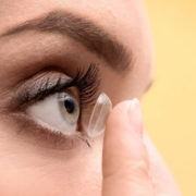 Πως να αγοράσετε φακούς επαφής από το διαδίκτυο