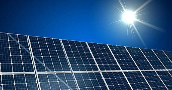 Πράσινη ενέργεια με φωτοβολταϊκά πάνελ