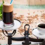 Μπορεί η καφεΐνη να με βοηθήσει να χάσω κιλά;