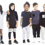Αγοράστε άνετα παιδικά ρούχα