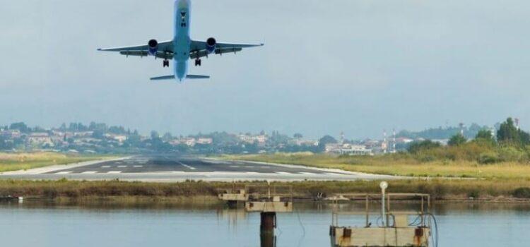 Κλείνοντας αεροπορικά εισιτήρια online